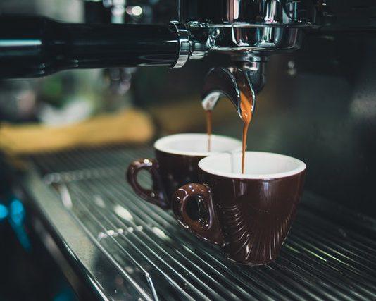 Wybieramy ekspres do kawy do firmy